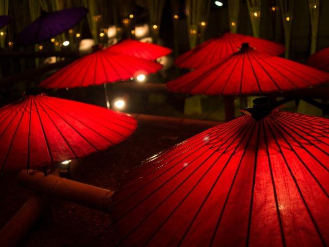 japanese-umbrellas-636869_1280.jpg