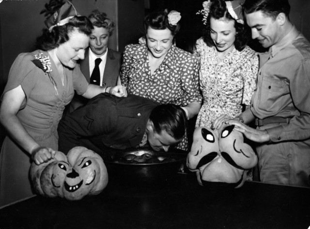 argus-newspaper-collection-of-photographs-state-library-of-victoria-argus-newspaper-halloween-party-for-u-s-servicemen-u-s-red-cross-club